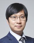 1-2. 김재윤 변호사_증명사진 사이즈.jpg